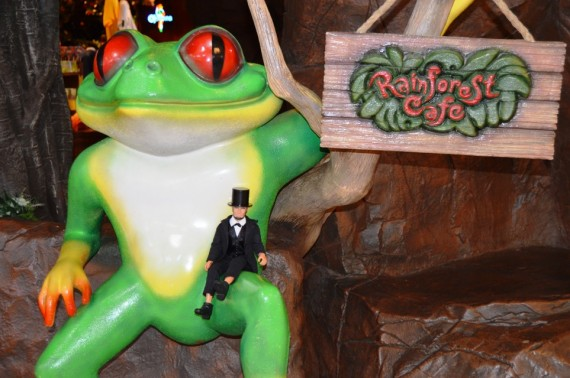 mini-abe-rainforest-cafe